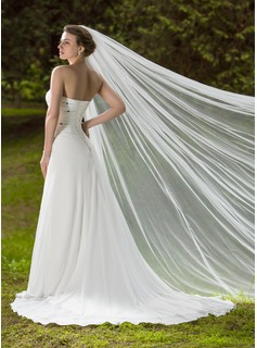One-tier Cathedral Bridal Veils With Cut Edge