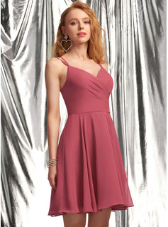A-Line V-neck Short/Mini Chiffon Homecoming Dress With Ruffle