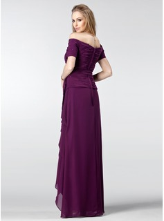 A-Line/Princess Off-the-Shoulder Asymmetrical Chiffon Mother of the Bride Dress With Ruffle Beading