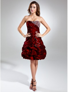 A-Line Sweetheart Knee-Length Taffeta Cocktail Dress With Ruffle Beading
