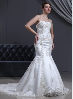 Trumpet/Mermaid Sweetheart Court Train Satin Wedding Dress With Beading Appliques Lace