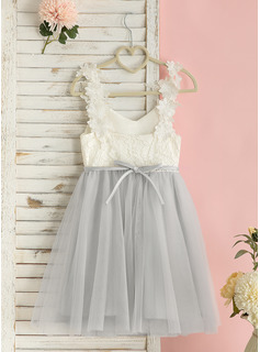 Knee-length Flower Girl Dress - Chiffon Satin Lace Sleeveless V-neck