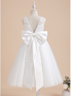 lace sweetheart neckline wedding dress