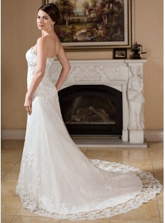 A-Line/Princess Strapless Chapel Train Tulle Wedding Dress With Beading Appliques Lace