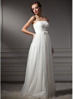 A-Line/Princess Strapless Sweep Train Tulle Wedding Dress With Ruffle Bow(s)