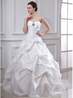 Ball-Gown Sweetheart Chapel Train Taffeta Wedding Dress With Ruffle Beading Flower(s)