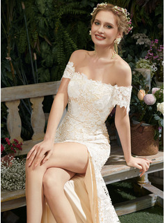 Trumpet/Mermaid Off-the-Shoulder Court Train Wedding Dress With Lace Split Front