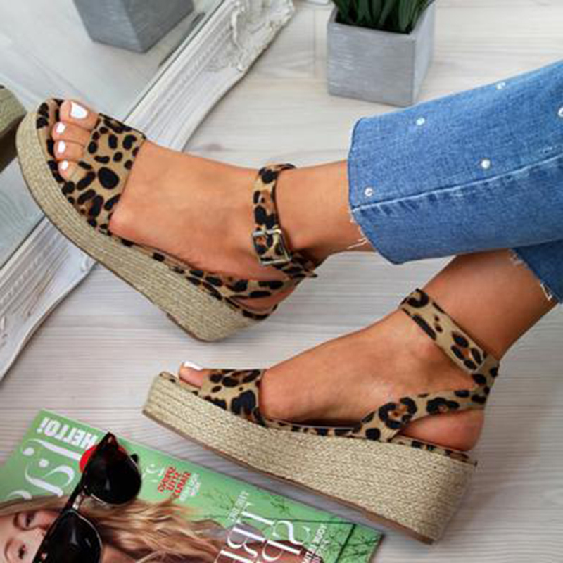 Women's PU Wedge Heel Sandals Peep Toe With Buckle Animal Print shoes