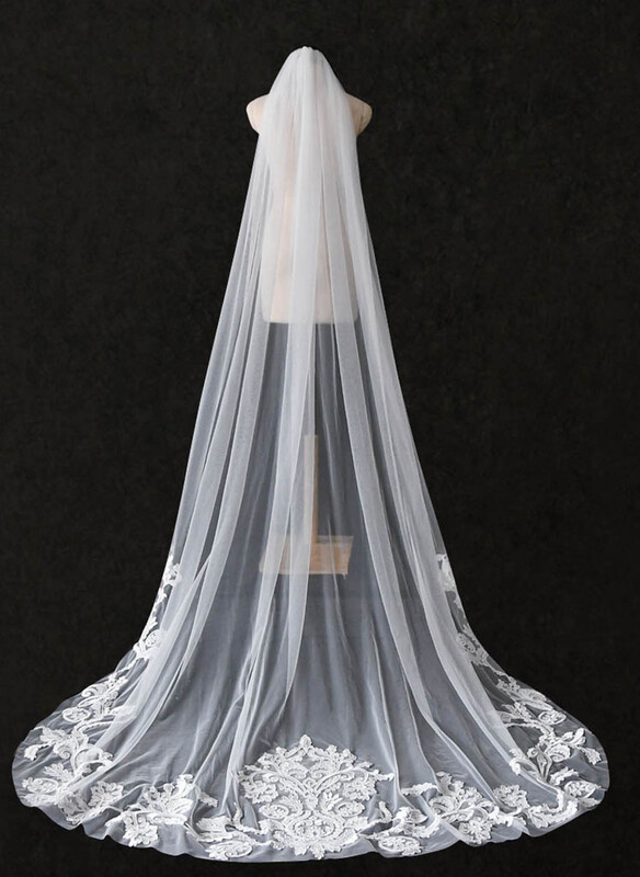 One-tier Cut Edge Chapel Bridal Veils/Cathedral Bridal Veils With Lace