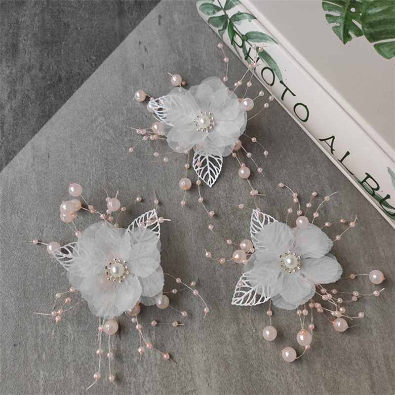 Charming Alloy/Silk Flower Combs & Barrettes With Venetian Pearl (Set of 6)