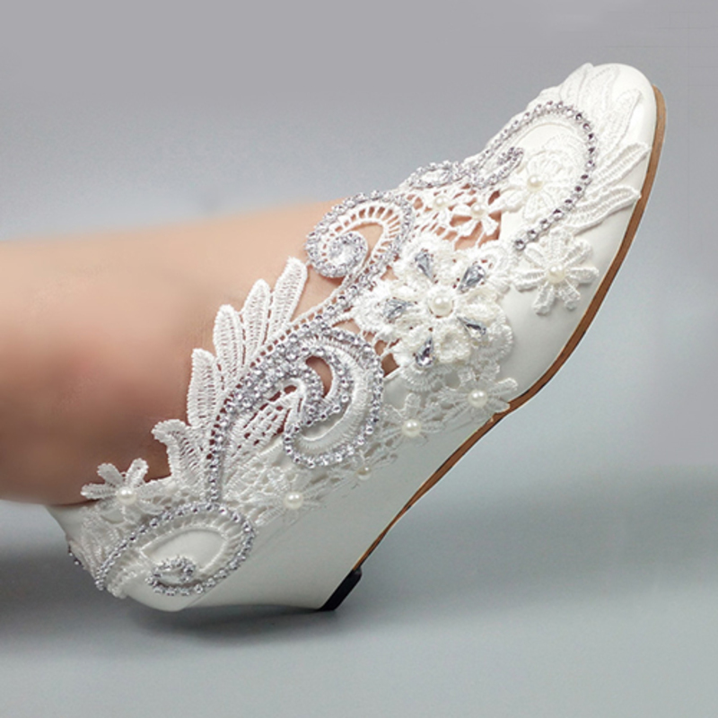 Women's Patent Leather Wedge Heel Closed Toe Pumps With Imitation Pearl Rhinestone Stitching Lace Flower