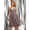 A-Line V-neck Knee-Length Tulle Homecoming Dress With Beading Sequins (022236585)
