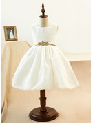 A-Line/Princess Knee-length Flower Girl Dress - Lace Sleeveless Scoop Neck With Lace/Bow(s)