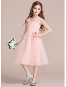 A-Line/Princess Sweetheart Knee-Length Tulle Junior Bridesmaid Dress With Ruffle Lace Bow(s)