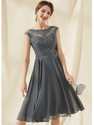 A-Line Scoop Neck Knee-Length Chiffon Lace Homecoming Dress With Sequins