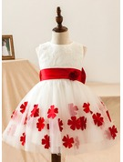 A-Line/Princess Knee-length Flower Girl Dress - Satin/Lace Sleeveless Scoop Neck With Lace/Flower(s)/Bow(s)