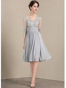 A-Line/Princess V-neck Knee-Length Chiffon Lace Cocktail Dress With Ruffle Sequins