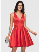 A-Line V-neck Short/Mini Satin Homecoming Dress With Bow(s)