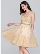A-Line Sweetheart Knee-Length Tulle Lace Homecoming Dress With Beading Sequins