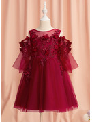 A-Line Knee-length Flower Girl Dress - Tulle 1/2 Sleeves Scoop Neck With Lace/Beading/Flower(s)
