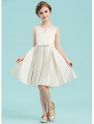 A-Line Scoop Neck Knee-Length Satin Junior Bridesmaid Dress With Bow(s)