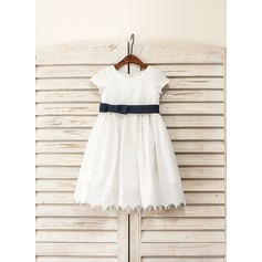 A-Line/Princess Knee-length Flower Girl Dress - Cotton Short Sleeves Scoop Neck With Bow(s)