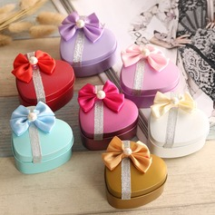 Heart-shaped Favor Tin With Bow