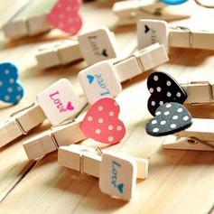 Love Design Wooden Clip Decorative Accessories