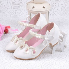 Girl's Round Toe Closed Toe Patent Leather Low Heel Flower Girl Shoes With Flower
