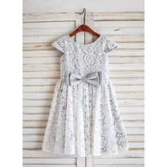 A-Line/Princess Knee-length Flower Girl Dress - Lace Short Sleeves Scoop Neck With Bow(s)