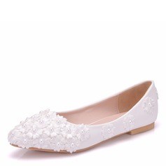 Women's Leatherette Flat Heel Closed Toe Flats With Applique