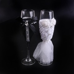Bride and Groom Toasting Flutes With Ribbon Bow/Rhinestone/Flowers (Set Of 2)