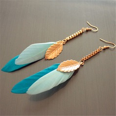 Beau Alliage Feather Dames Boucles d'oreille de mode