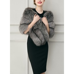 Faux Fur Mode Wrap (013104334)