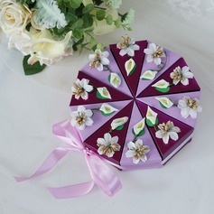 Sweet Love Cubic Card Paper Favor Boxes With Flowers