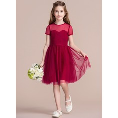 A-Line/Princess Scoop Neck Knee-Length Tulle Junior Bridesmaid Dress With Ruffle