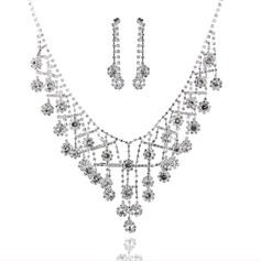 Exquisite Alloy With Rhinestone Ladies' Jewelry Sets