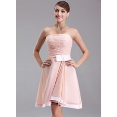 A-Line/Princess Strapless Knee-Length Chiffon Homecoming Dress With Ruffle Bow(s)