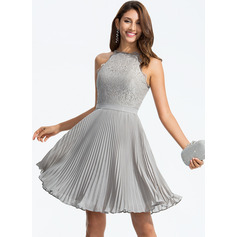 A-Line/Princess Scoop Neck Knee-Length Chiffon Cocktail Dress With Pleated