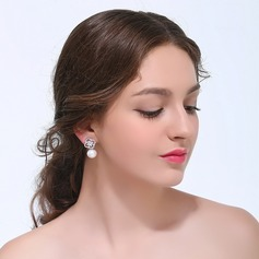 Attractive Imitation Pearls Ladies' Earrings
