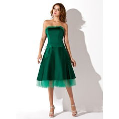 A-Line/Princess Strapless Knee-Length Satin Homecoming Dress