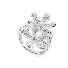 Flower Shaped Alloy With Rhinestone Ladies' Rings