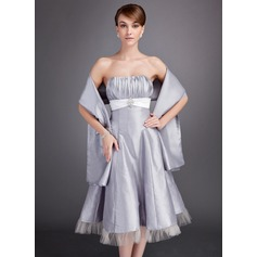 A-Line/Princess Sweetheart Tea-Length Taffeta Bridesmaid Dress With Ruffle Sash Crystal Brooch