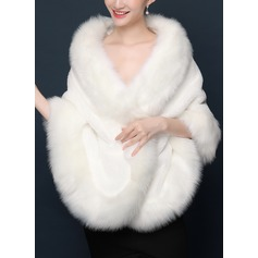 Faux Fur Wedding Wrap (013174485)