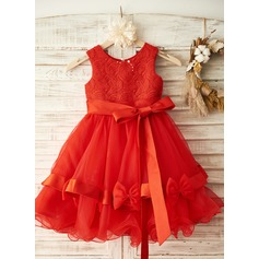 A-Line/Princess Knee-length Flower Girl Dress - Satin Sleeveless Scoop Neck With Bow(s) (010104959)