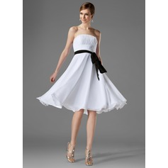 A-Line/Princess Strapless Knee-Length Chiffon Bridesmaid Dress With Ruffle Sash Bow(s) (007000954)