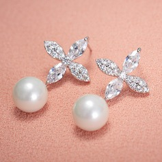 Elegant Alloy/Rhinestones With Imitation Pearls Ladies' Earrings