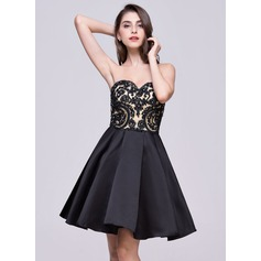 A-Line/Princess Sweetheart Short/Mini Satin Lace Homecoming Dress With Bow(s)