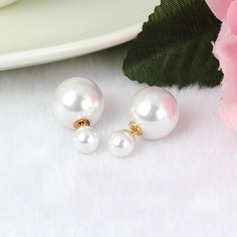 Gorgeous Imitation Pearls Metal Ladies' Fashion Earrings