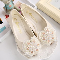 Girl's Leatherette Flat Heel Closed Toe Flats With Imitation Pearl Flower